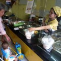 Làm mẹ - Mẹ đoảng cho con ăn cháo dinh dưỡng