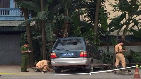phu tho: xe bien xanh dam 4 hoc sinh nguy kich - 1