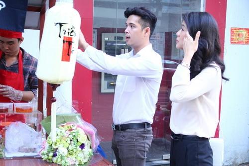 ban gai phi cong giup truong the vinh buon ban via he - 3