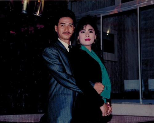 nguyen hung khoe anh tinh cam voi vo thoi tre - 5
