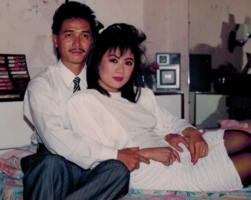 nguyen hung khoe anh tinh cam voi vo thoi tre - 8