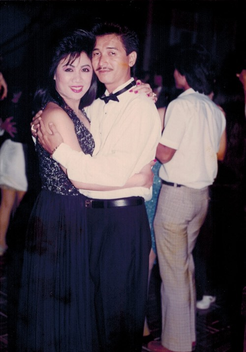 nguyen hung khoe anh tinh cam voi vo thoi tre - 1