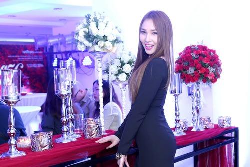 """Quỳnh Thư khoe """"xế hộp"""" sau khi úp mở có tình mới-6"""