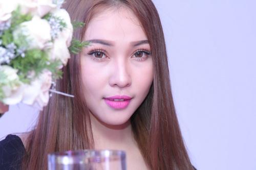 """Quỳnh Thư khoe """"xế hộp"""" sau khi úp mở có tình mới-12"""