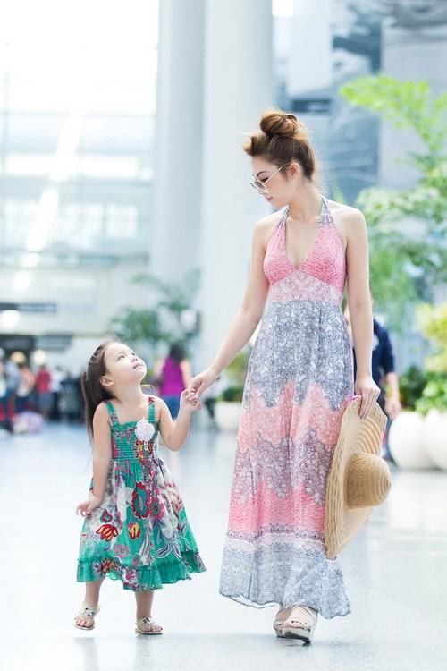 HH Jennifer Chung khoe em gái