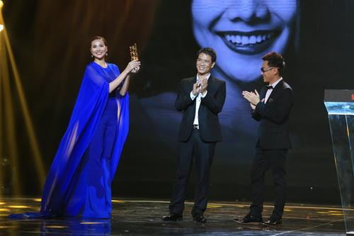 "con trai le phuong len san khau ""am"" giai cung me - 15"