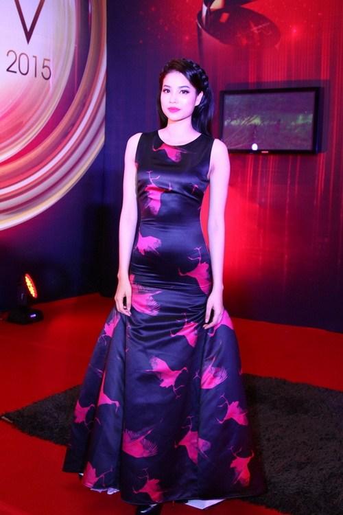 """Thanh Hằng, Khánh My mặc váy """"chặt chém"""" trên thảm đỏ-16"""