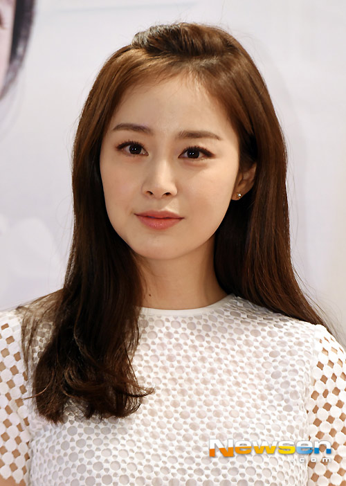 Kim Tae Hee tươi tắn giữa tin đồn sắp cưới-4
