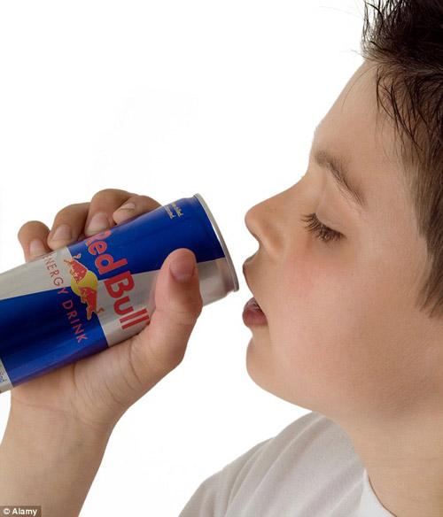 Uống nước tăng lực có nguy cơ đau tim, đột tử-1
