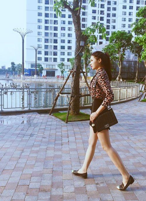Thời trang dạo phố ngày càng tiến bộ của HH Kỳ Duyên-1