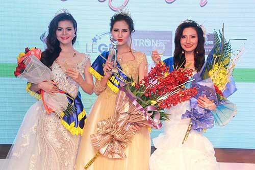 Hoàng Hạnh, Dương Hiểu Ngọc thắng lớn ở Hoa khôi thời trang-1