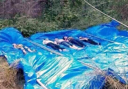 Nhảy xuống hồ cứu con, cả gia đình 7 người chết đuối-2