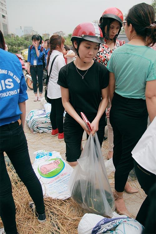 Hà Nội: Chỉ 10 phút, dưa hấu Quảng Nam đã 'cháy hàng'-11