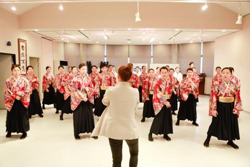 mỹ tam dạy nhảy cho học sinh nhạt bản - 8