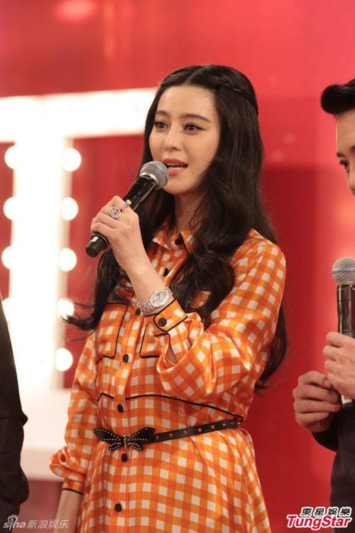 Dù ly hôn, Vương Phi vẫn quan tâm đến chồng cũ-8
