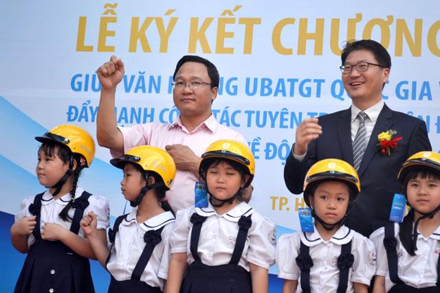 """khong doi mbh cho tre: phu huynh dung noi """"gia nhu"""" - 1"""