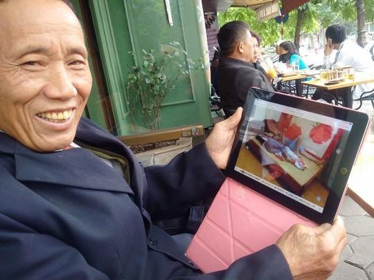 ha noi: nguoi dan ong song hanh phuc voi 8 vo, 27 con - 1