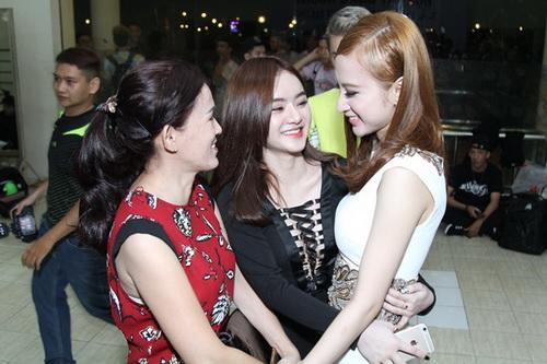 """khanh thi """"be"""" bung bau 7 thang tinh tu ben phan hien - 15"""