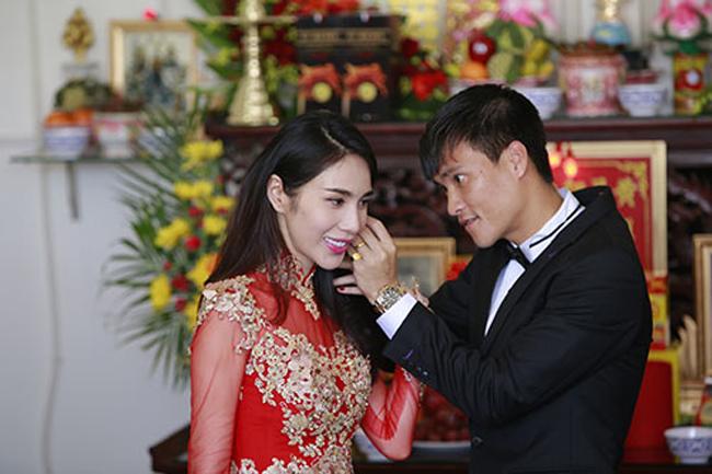 Năm vừa qua, Thủy Tiên và Công Vinh đã lần lượt tổ chức đám cưới tại Kiên Giang và Nghệ An.