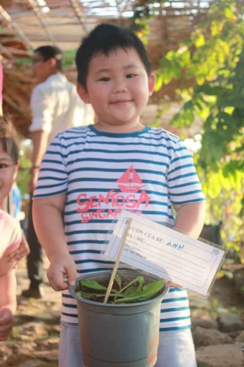 bo 650.000 dong/thang, cha me sai gon cho con lam nong dan - 12