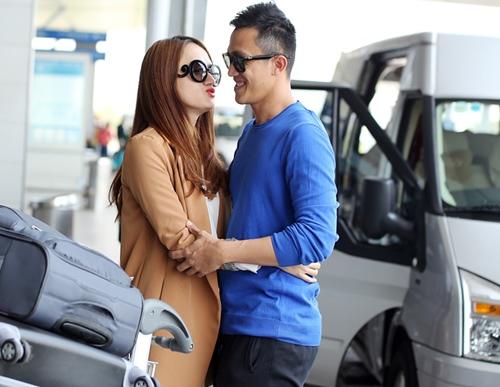 huong giang idol hon ban trai viet kieu tai san bay - 2