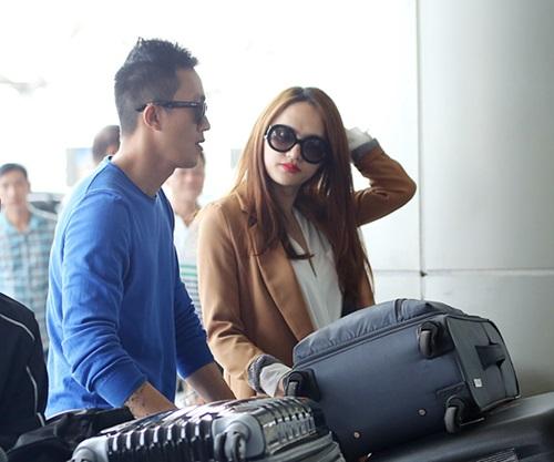 huong giang idol hon ban trai viet kieu tai san bay - 9