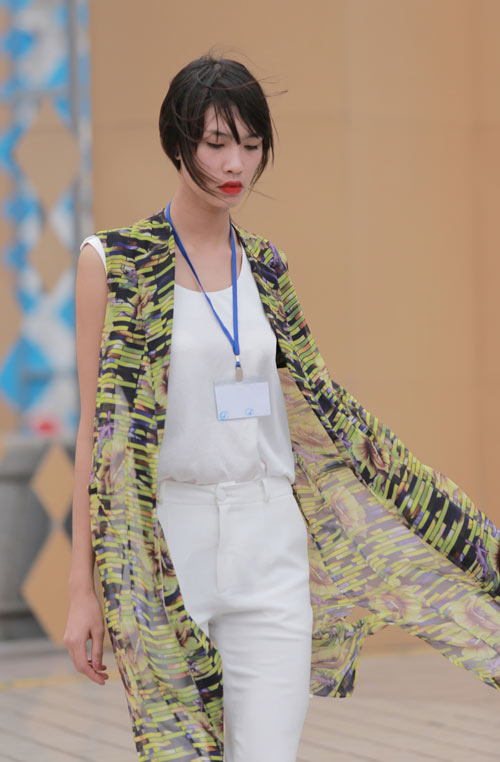 chan dai tat bat tong duyet truoc dep fashion runway - 3