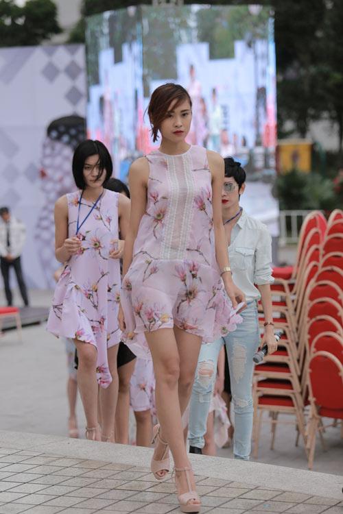 chan dai tat bat tong duyet truoc dep fashion runway - 10