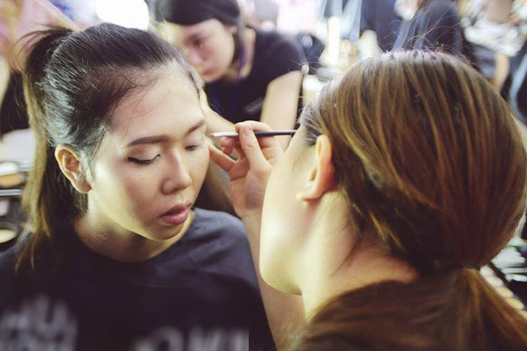 dot nhap hau truong makeup dep fashion runway 4 - 4