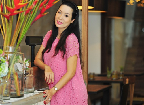 trinh kim chi van thon gon du 'bung bau' 7 thang - 2