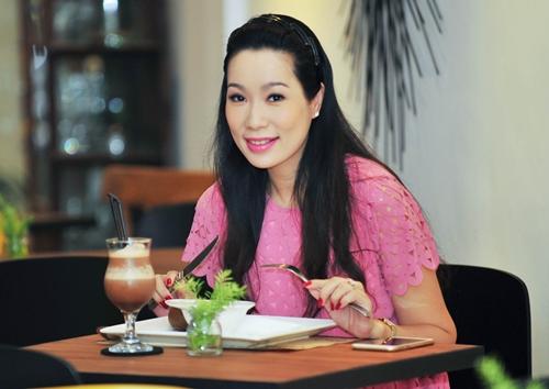 trinh kim chi van thon gon du 'bung bau' 7 thang - 3