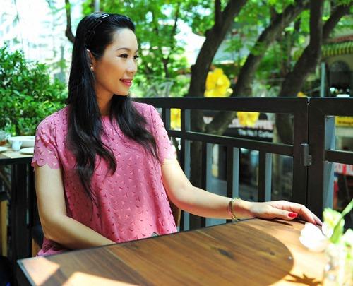 trinh kim chi van thon gon du 'bung bau' 7 thang - 4