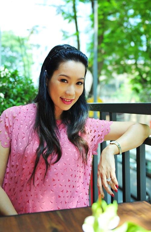 trinh kim chi van thon gon du 'bung bau' 7 thang - 5