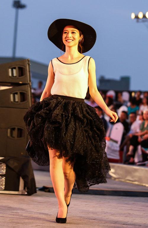 ngo thanh van, diem huong lam vedette tai dep fashion runway 4 - 7