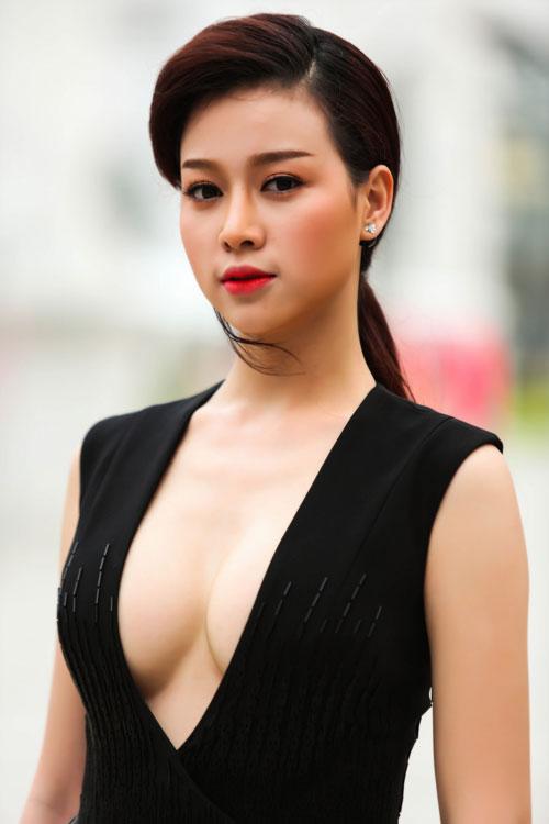 luu huong giang gay chu y voi so mi buong cuc lo noi y - 20