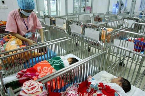 sinh con bi di tat khong duoc phep nho mang thai ho - 1