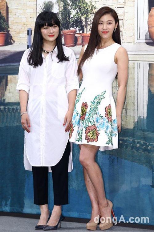 ha ji won lan dau khoe chị gái truoc gioi truyen thong - 2