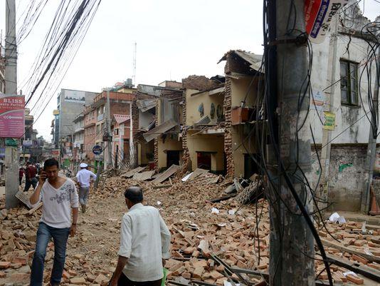 dong dat kinh hoang o nepal: hon 1.457 nguoi chet - 1