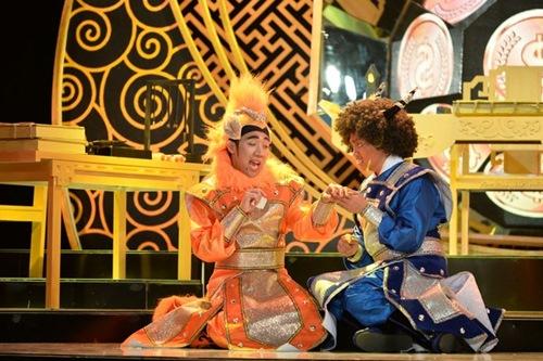 """tran thanh - dai nghia lam """"dau trau, mat ngua"""" trong show hai moi - 2"""