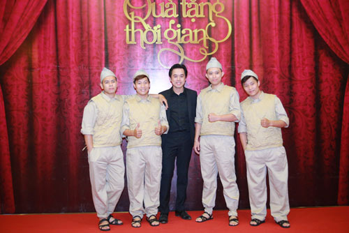"""qua tang thoi gian"": cung nguoi tre on lai nhung nam thang hao hung - 1"