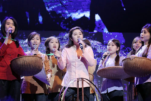 """qua tang thoi gian"": cung nguoi tre on lai nhung nam thang hao hung - 7"