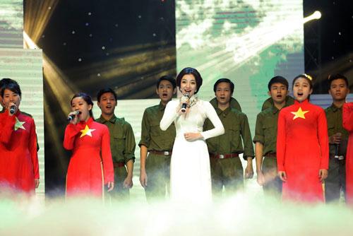 """qua tang thoi gian"": cung nguoi tre on lai nhung nam thang hao hung - 13"