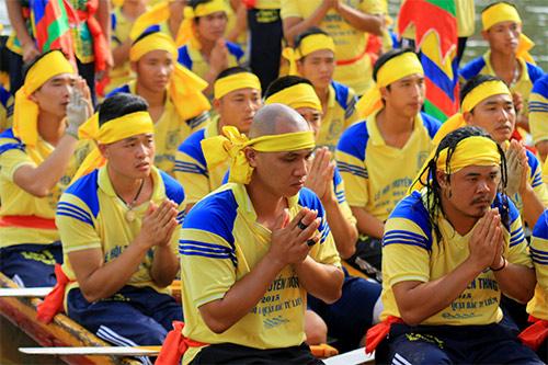 nghin nguoi doi nang co vu boi thuyen - 7