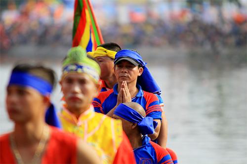 nghin nguoi doi nang co vu boi thuyen - 8
