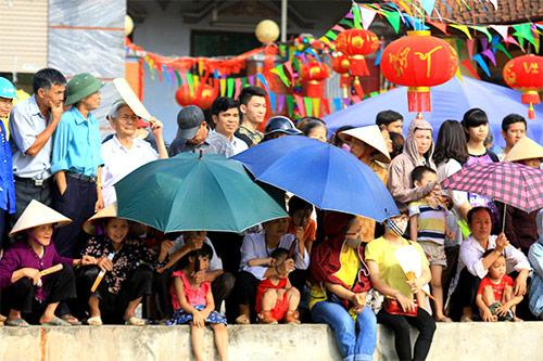 nghin nguoi doi nang co vu boi thuyen - 4