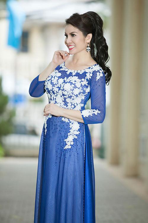 hh kim hong sang trong voi ao dai mung 30/4 - 9