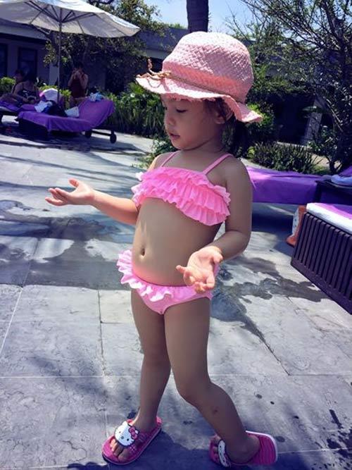 con gai pham quynh anh lam nguoi mau bikini dang yeu - 8