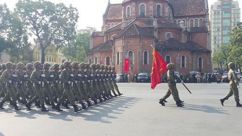 hao hung le dieu binh, dieu hanh mung dai le 30/4 - 3