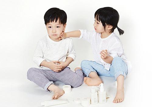 lee young ae hạnh phúc vien man ben cap song sinh - 6