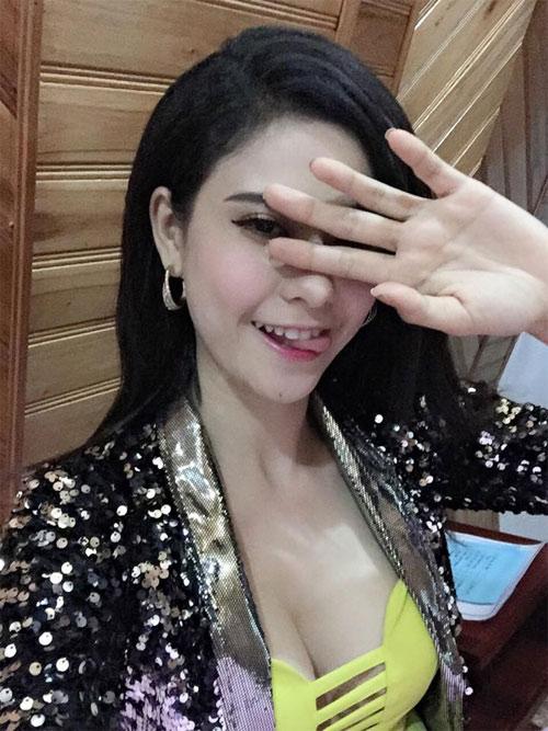 "jennifer pham hanh phuc duoc chong dua di ""giai ngo"" - 8"